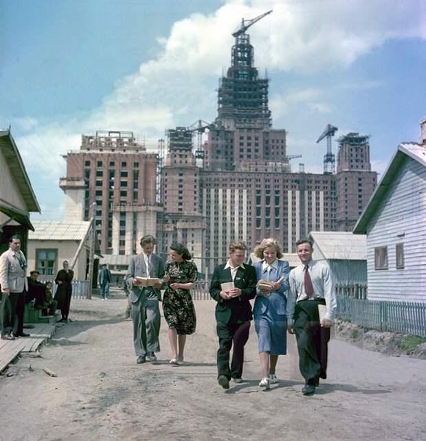 Профессор в США: Советские люди жили богато, как американцы
