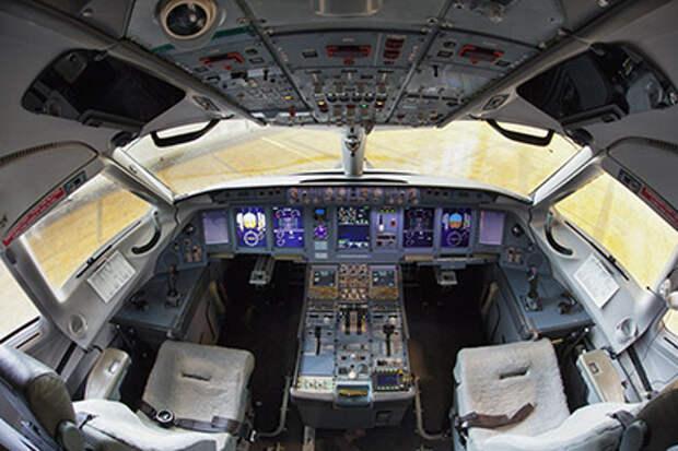 Правительство пустило иностранных пилотов в российские самолеты
