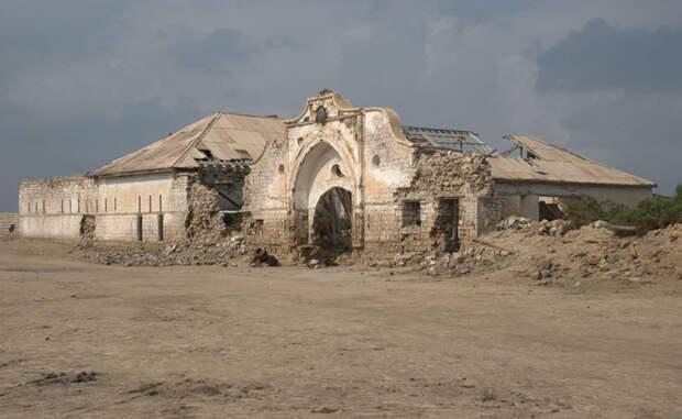 Впечатляющие руины заброшенных островов