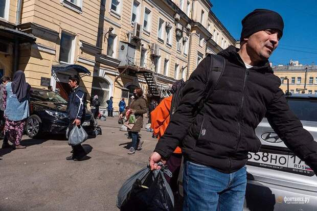 Правоверного мусульманина наказали за помощь голодающим соотечественникам на Сенном рынке