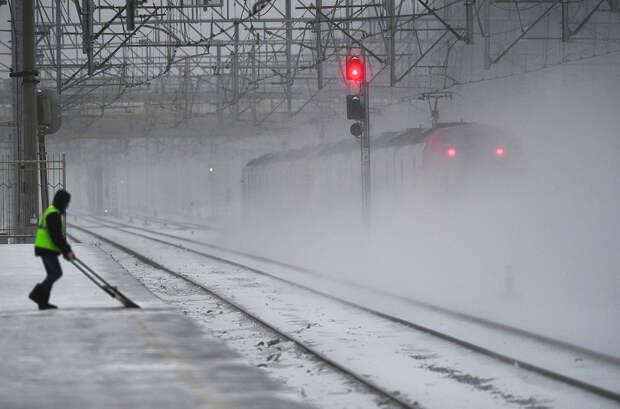 Как железные дороги справляются с русской зимой