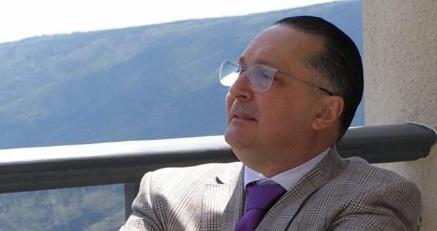 Арно Хидирбегишвили: Армению спасёт Россия, Азербайджан - энергоносители, что спасёт Грузию?