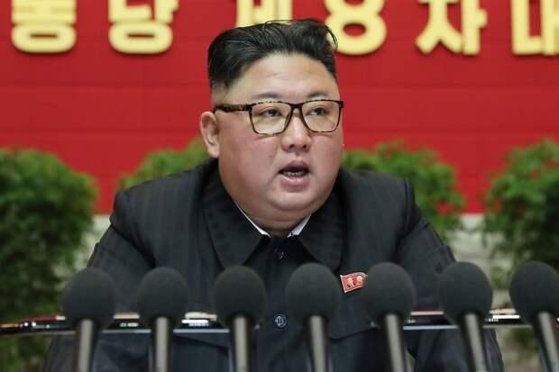Ким Чен Ын запретил узкие джинсы и окрашивание волос