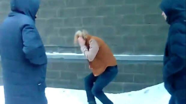 Новосибирского школьника избили и отрезали ему волосы из-за прически