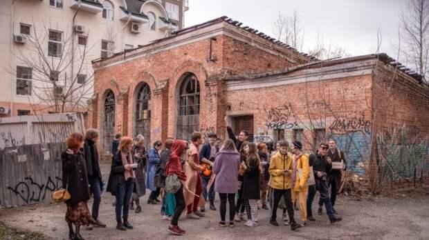 Томских художников выгоняют из помещения после акции 1 мая
