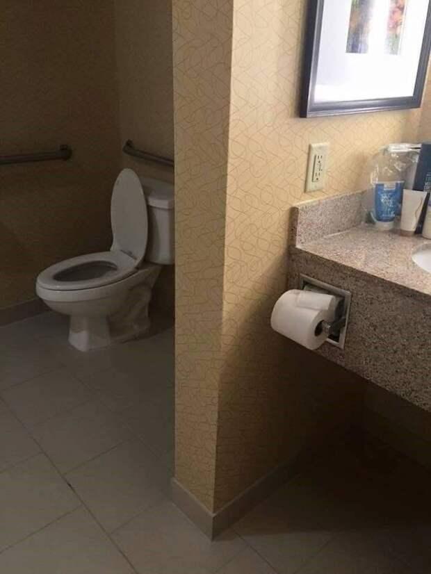 Парень работает сантехником 2 года, и вот самые дикие туалеты, которые он встречал