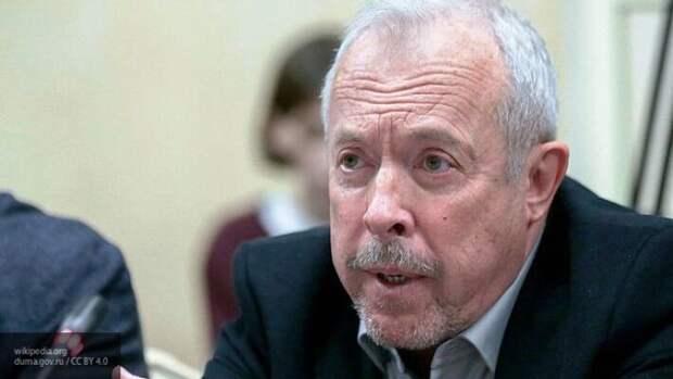 Критиковавшему Парад Победы Макаревичу посоветовали уехать на Украину
