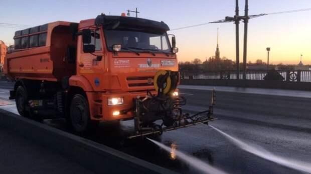 За одни сутки с магистралей иулиц Новосибирска вывезли 600 тонн смета игрязи