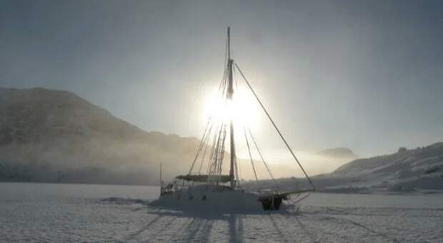 Тревор Робертсон яхтсмен одиночка на маленьком паруснике Iron Bark