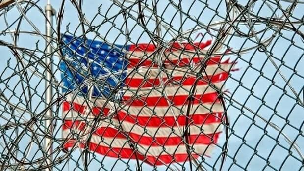 Житель Техаса купил участок на границе в США и незаконно пропускает мигрантов