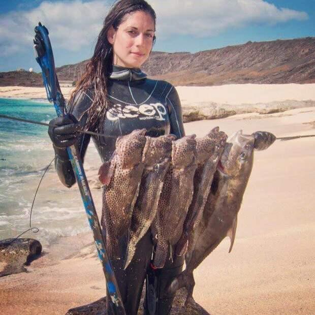 Валентин Томас— самая сексуальная рыбачка инстаграма