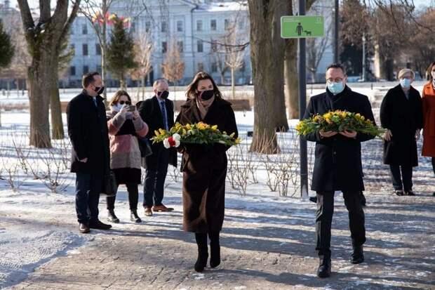 В день годовщины Хатыни Тихановская почтила память воевавшего с Россией поляка