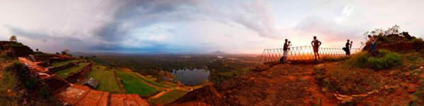 Львиная скала — древний замок построен на высоте 370 метров над уровнем моря