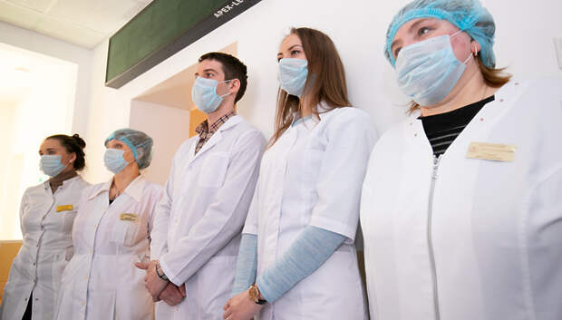 Воробьев предложил направлять средства федподдержки на закупку защитных средств для врачей