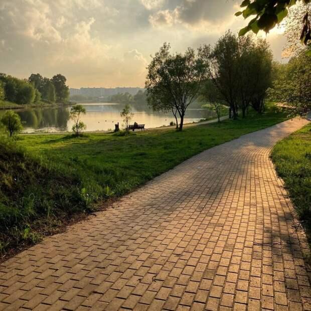 Фото дня: Джамгаровский парк превратился в картину Левитана