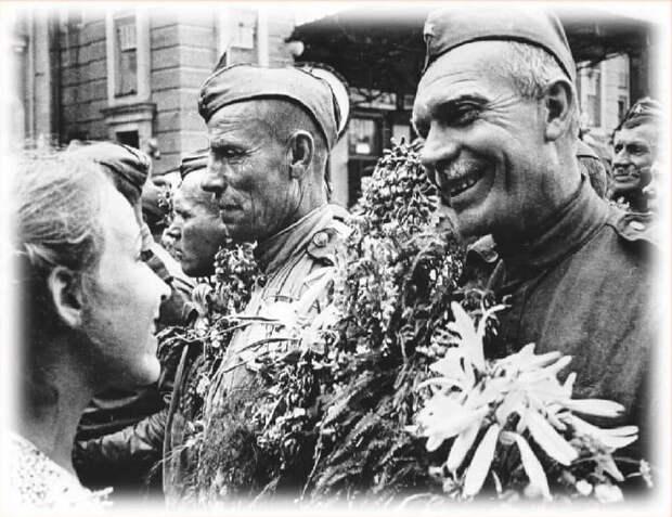 Флешмоб «С победой в сердцах» стартовал в Алтуфьеве
