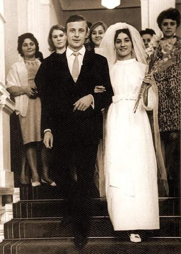 Редкие свадебные фотографии отечественных знаменитостей