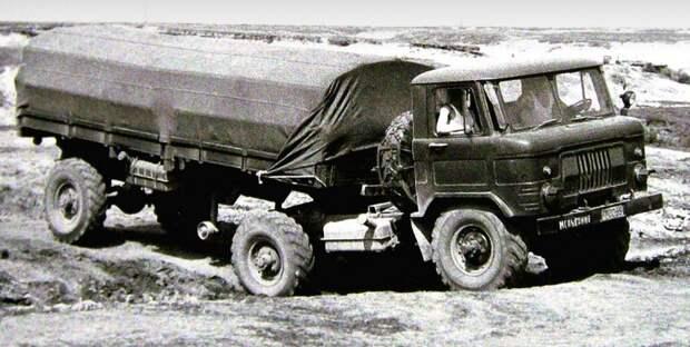 Тягач ГАЗ-66К с одноосным полуприцепом с механическим приводом колес (из архива И. Падерина) авто, автопоезд