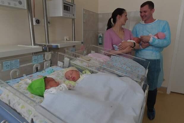 Четыре счастья сразу: в московском роддоме появились на свет четверняшки
