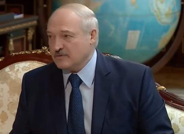 Специалист по наведению мира Лукашенко предложил Макрону помощь в диалоге с мусульманами