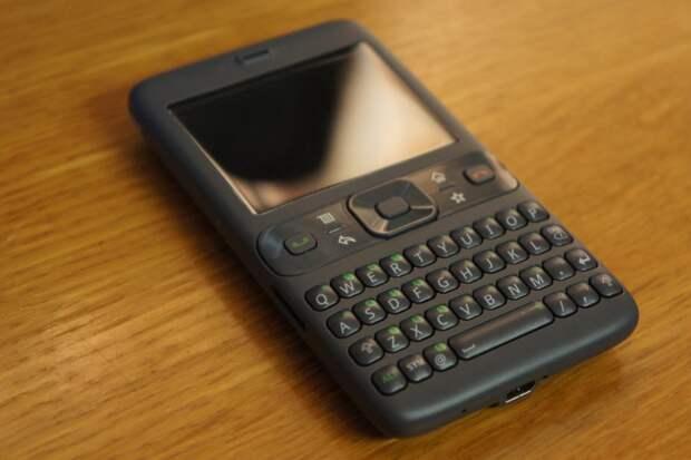 Google Sooner или HTC Exca 300. Каким был первый Android-смартфон