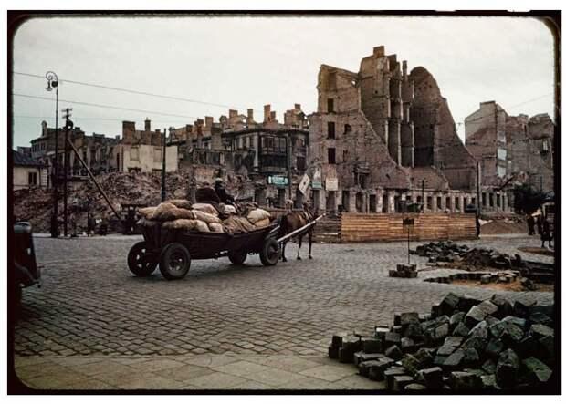 Warsaw after World War II, in August 1947 (25)