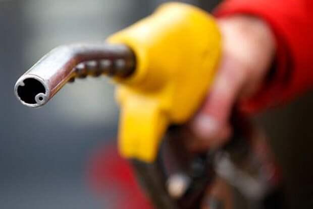 Нефть дорожает благодаря сильным прогнозам спроса
