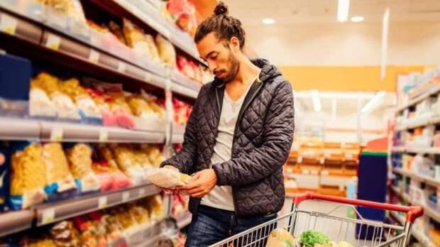 Продукты высшего качества и без консервантов: как супермаркеты обманывают покупателей