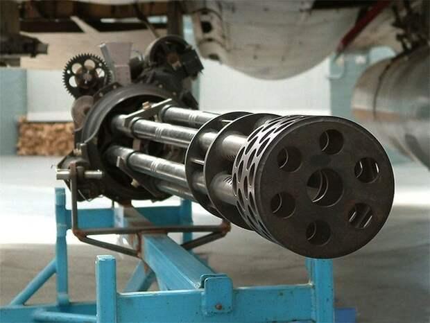 Пулемет Гатлинга — первый в истории газонокосильщик