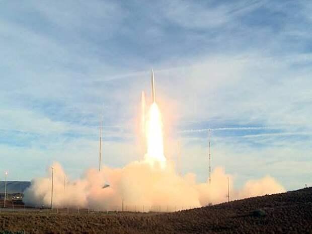 Popular Mechanics: Новое оружие США сможет ударить по Москве из Лондона