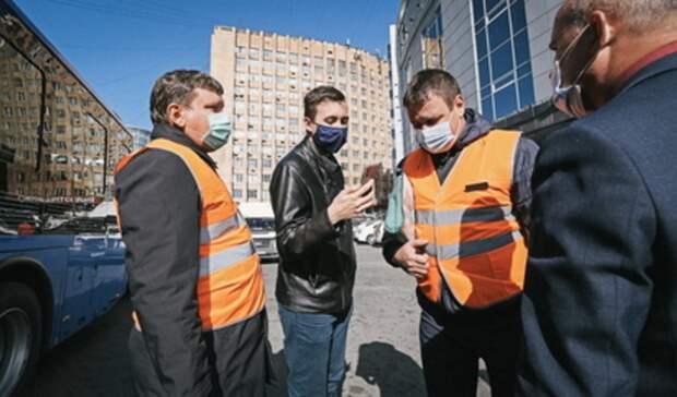 Автобусы без кондукторов и военные в городе. Итоги дня в Свердловской области