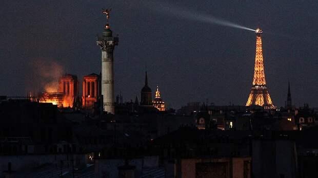 Хохлы отметились: Посла Франции возмутила шутка украинского телеведущего про пожар в Нотр-Даме