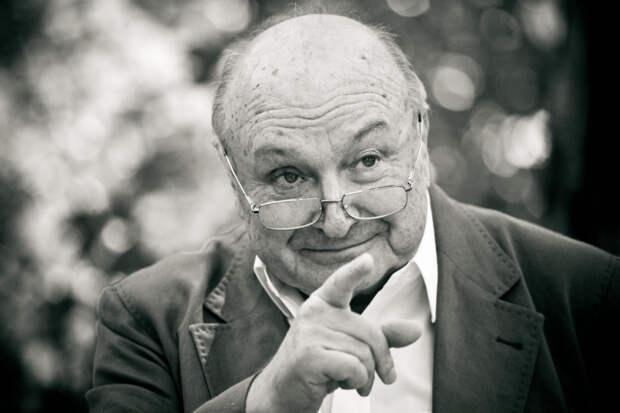 В России умер сатирик Михаил Жванецкий