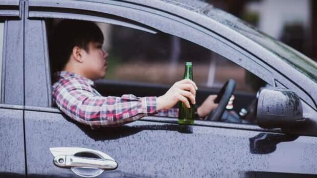 Нарколог объяснил, почему бороться запретами с алкоголизацией населения бессмысленно