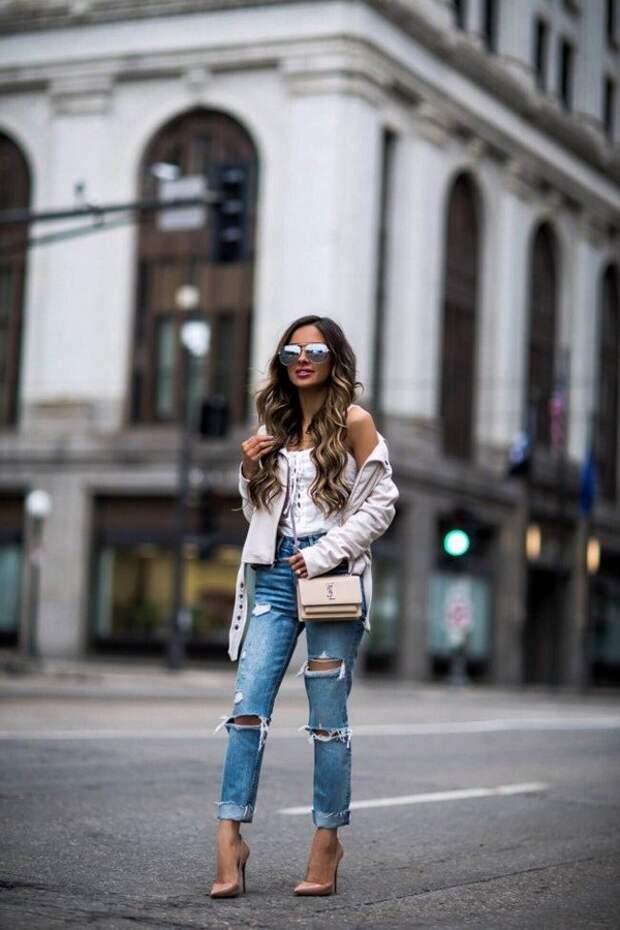 С чем можно носить джинсы в 2021 году