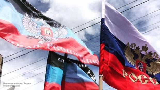 Жители ЛДНР поставили Киев перед фактом, проголосовав за федеральный округ в составе РФ