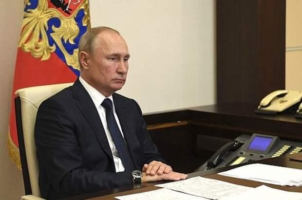 Путин поздравил работников дорожного хозяйства