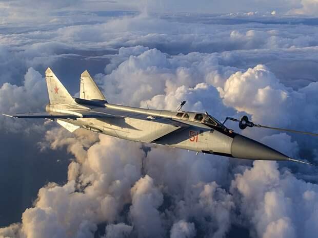 Самолет, способный сбивать спутники – американские СМИ оценили российский МиГ-31