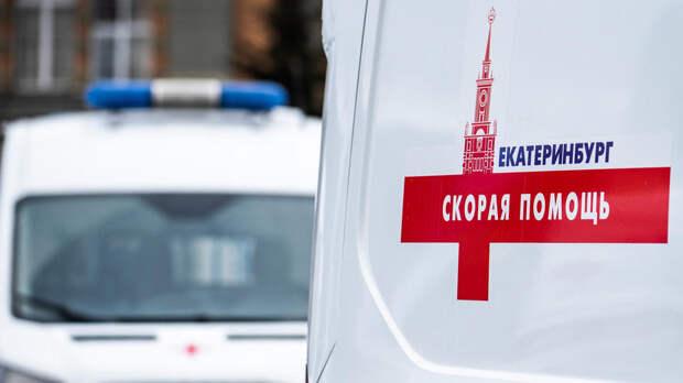 Пьяный водитель набросился на скорую в Екатеринбурге