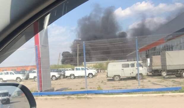 В Тюмени на Тимофея Чаркова горожане заметили густой черный дым от пожара