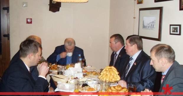 «Позолоченное» дитя депутата из Ярославской глубинки