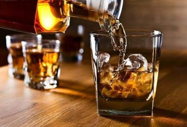 Минздрав США назвал допустимую ежедневную дозу алкоголя для мужчин