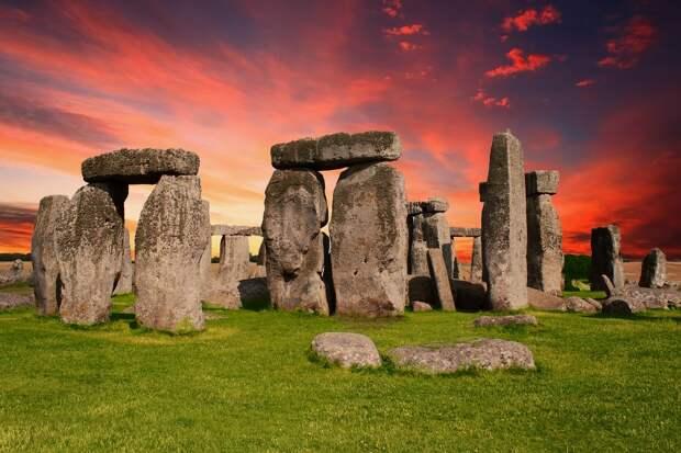 Недалеко от Стоунхенджа обнаружен ещё один доисторический памятник