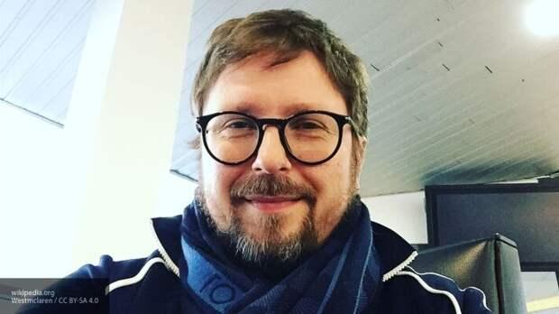 Украинский суд снял с розыска блогера и политика Анатолия Шария