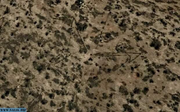 Кто возвел гигантские стрелки на плато Устюрт между Каспийским и Аральским морями