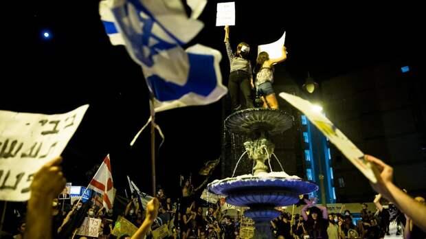 Ночные демонстрации в Израиле, «конец нефтяной эры» и рост популярности России