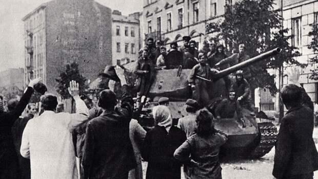«Забыл историю»: Чешского журналиста осудили за статью о Великой Победе