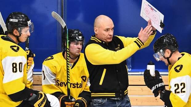 Скандальная драка в российском хоккее. Тренера Разина раздели по пояс и разбили лицо, пришлось вмешаться полиции