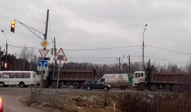 Фуры прекратят парковаться под окнами кстовчан на Береговой. Но гонять не перестанут