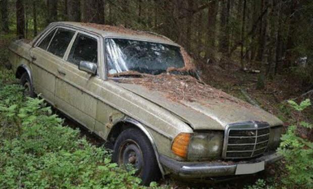Стоянка авто из 90-х